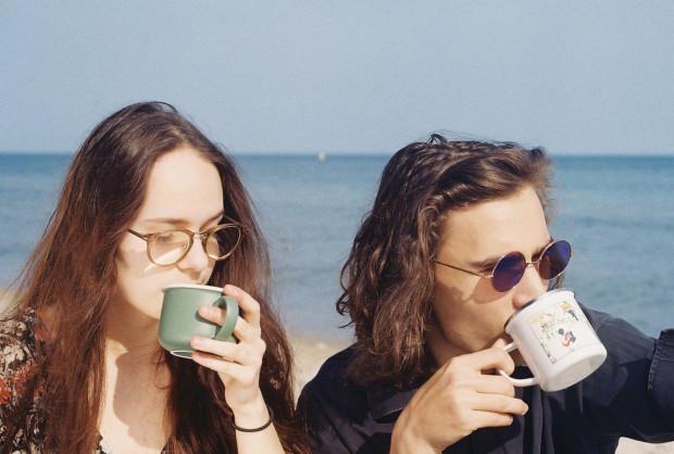 Agata Mierzwa i Hugo Kaszyński pochodzą z Gdyni, gdzie stawiali swoje pierwsze muzyczne kroki.