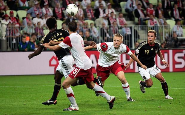 Cacau, Brazylijczyk grający dla reprezentacji Niemiec, rozwiał polskie marzenia o historycznym zwycięstwie na PGE Arenie Gdańsk.