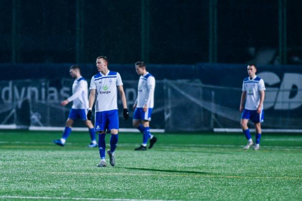 Piłkarze Bałtyku Gdynia rozpoczęli przygotowania do nowego sezonu, który wystartuje 1 sierpnia. Biało-niebiescy w lipcu dokończą jednak rozgrywki Pucharu Polski na Pomorzu. 11 lub 12 lipca zmierzą się z Jantarem Ustką w 1/8 finału.