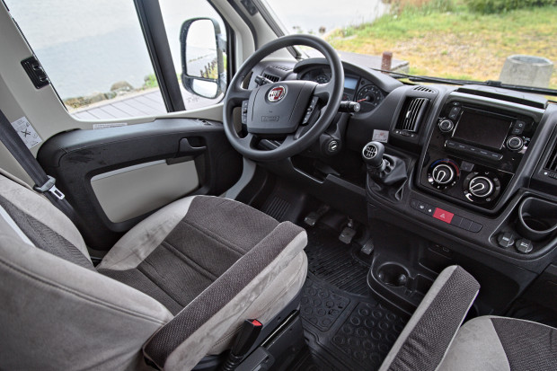 Funkcjonalna i komfortowa szoferka.