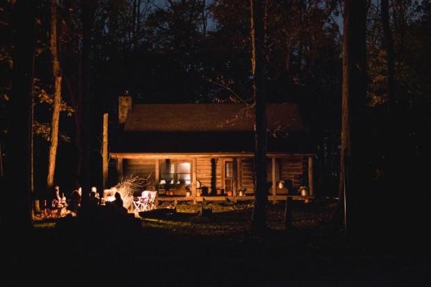 Wyjazd za miasto na weekend to idealny pomysł na wieczór panieński w letnie miesiące. Można wynająć domek i rozkoszować się długimi godzinami na powietrzu.
