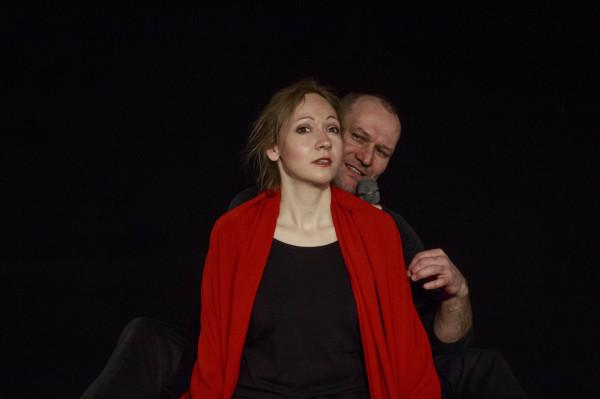 """Premiera """"i... jakoś to będzie"""" w reżyserii Idy Bocian odbędzie się 19 czerwca w Teatrze Gdynia Główna. Dwoje aktorów wcieli się w kilkanaście postaci z """"Pana Tadeusza""""."""