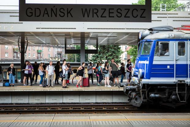 Od 1 czerwca można zajmować wszystkie miejsca w pociągach dalekobieżnych, ale należy obowiązkowo wykupić tzw. miejscówkę. Zdjecie z 2019 r.