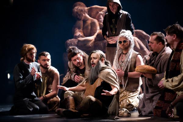 """Na scenie Opery do końca roku zobaczymy w sumie dziesięć różnych produkcji operowych i baletowych. Wśród nich """"Thaïs"""" w reżyserii Romualda Wiczy-Pokojskiego (na zdjęciu)."""