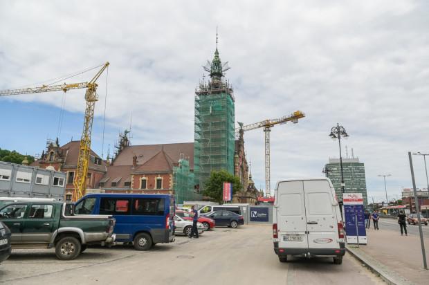 Wieża Dworca Głównego PKP w Gdańsku w trakcie remontu.