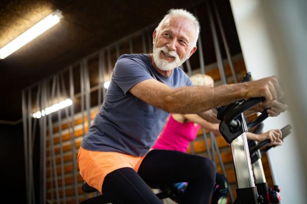 Wspólne ćwiczenia mogą być również szansą na zacieśnienie więzi.