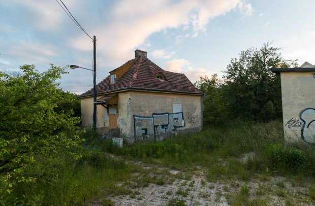 Budynek przy ul. Sopockiej, który wcześniej pełnił funkcję mieszkalną.