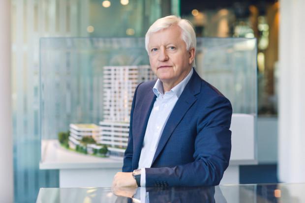 """Pomoc jest potrzebna dziś, ale będzie także potrzebna długo po zakończeniu pandemii, dlatego podjęliśmy się uruchomienia akcji  """"Dziś dla Jutra"""" - mówi Mieczysław Ciomek, prezes Invest Komfort."""