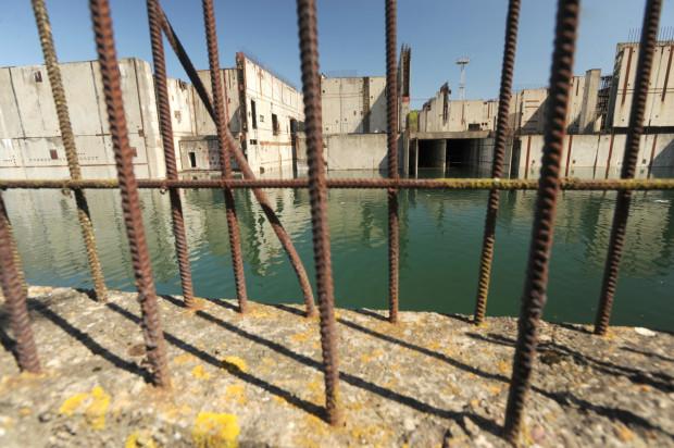W 2005 roku powrócono do pomysłu budowy elektrowni jądrowej. Według wstępnego harmonogramu pierwszy blok miał ruszyć w 2020 roku. Bloku nie ma, wciąż są tylko ruiny w Żarnowcu.