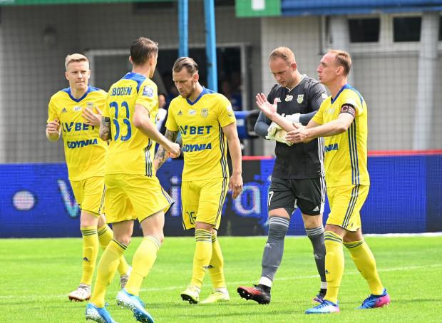 Arka Gdynia w drugim meczu z rzędu nie straciła gola, ale też go nie strzeliła. Udany debiut w bramce zaliczył Marcin Staniszewski.