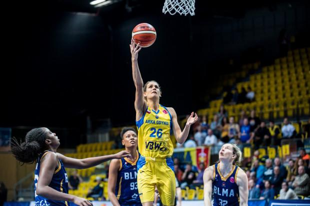 Sonja Greinacher (nr 26) spędzi trzeci sezon w Gdyni.