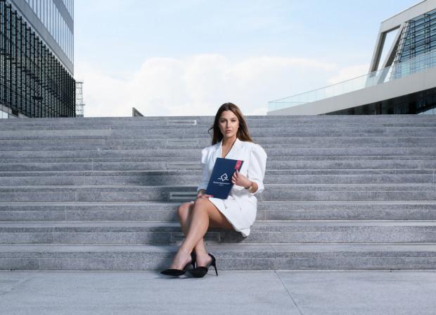Katarzyna Zwolińska do męskiego zespołu Galerii Nieruchomości wniosła nową energię. Firma chciałby zatrudnić więcej kobiet.