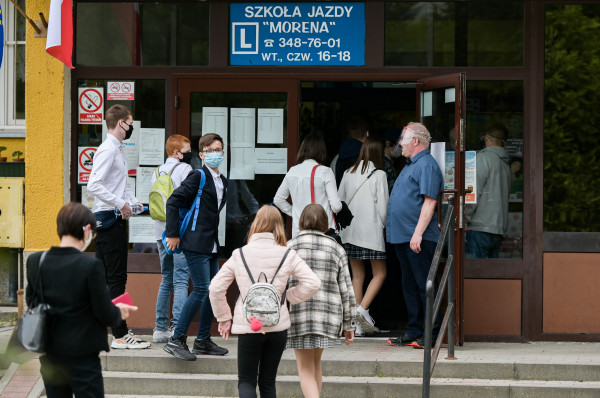 W czerwcu w szkołach odbyły się egzaminy w specjalnych warunkach.