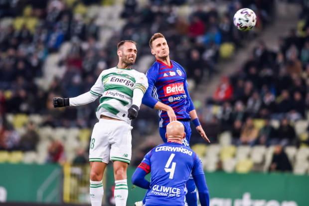 Lechia Gdańsk wygrała w tym sezonie już cztery razy z Piastem Gliwice. Flavio Paixao strzelił w tych meczach 2 gole, a przed najbliższym spotkaniem znów jest pierwszym wyborem w ataku biało-zielonych.