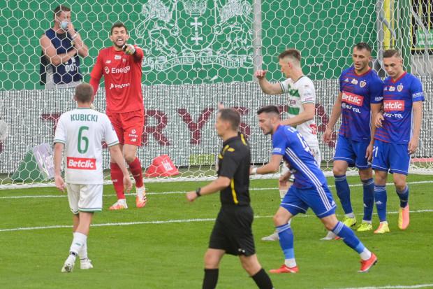 Piotr Stokowiec cieszy się z dwóch kolejnych zwycięstw po 1:0. Szkoleniowiec Lechii zapowiada jednak, że mimo tych wyników, nie chce by zespół skupiał się wyłącznie na tym jak nie stracić gola.