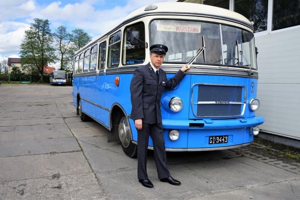 Autobus odrestaurowany przez właściciela spółek Przewozy Autobusowe GRYF i PKS Gdańsk Mariana Koteckiego jest pieczołowicie odwzorowany na stan z lat minionych i został odbudowany od postaw.