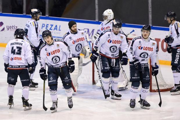 Lotos PKH Gdańsk w 2014 roku reanimował seniorski zespół w gdańskim hokeju. Niestety, klub nie przetrwał trudności związanych z pandemią koronawirusa oraz konkurencją Stoczniowca, który w tym roku również zgłosił się do PHL.