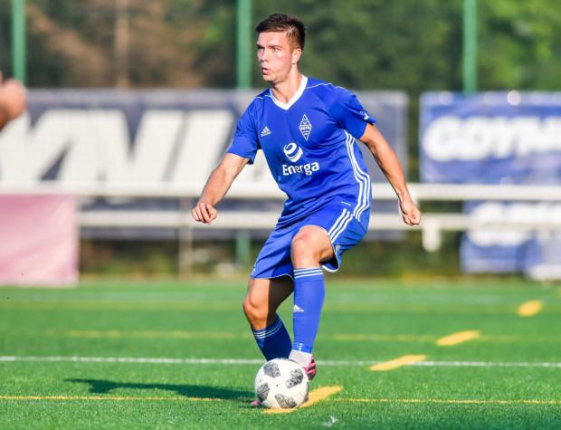 Marcel Stefaniak strzelił gola w pierwszym sobotnim sparingu dla Bałtyku Gdynia. Niedługo potem zmarnował jednak rzut karny. To jednak ostatnie dni nad morzem, bo w sierpniu piłkarz przeniesie się do GKS Tychy.