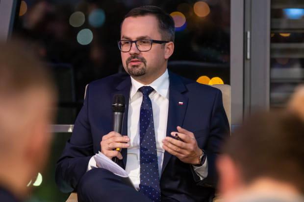 """Marcin Horała, szef pomorskiego PiS:- Wszystkie ręce na pokład. Musimy """"docisnąć"""" tę kampanię przez kolejne dwa tygodnie."""