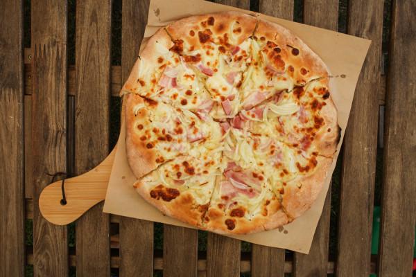 Pizza a'la Carbonara.
