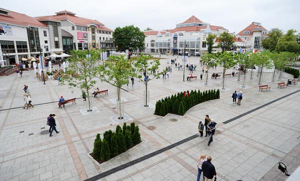 Nowe urządzenie będzie wykorzystywane m.in. do czyszczenia nawierzchni placu Przyjaciół Sopotu.