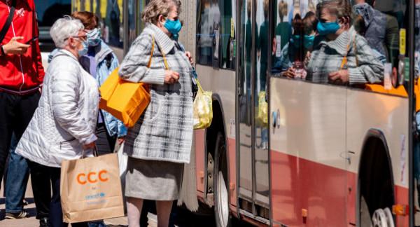 Pasażerowie powoli wracają do korzystania z transportu publicznego. Ale dziura tylko za 3,5 miesiąca w sprzedaży biletów wyniosła w Gdańsku 22 mln zł.