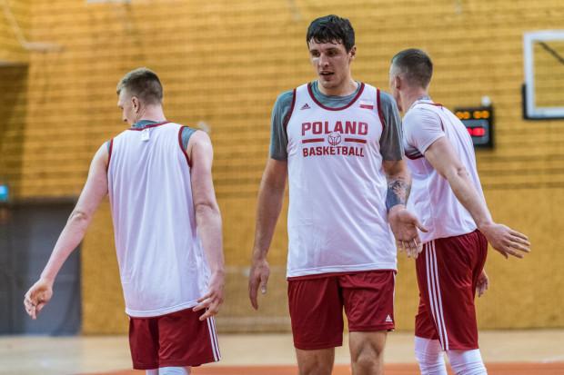 Nadchodzący sezon będzie dla Dominika Olejniczaka (w środku) pierwszym zawodowym sezonem w karierze.