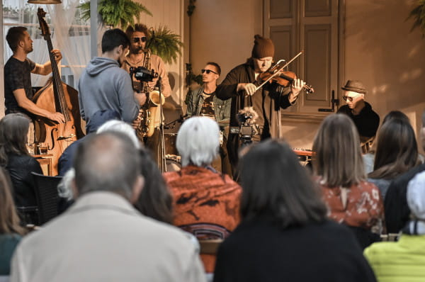 Tomasz Chyła Quintet w ogródku Teatru Boto.