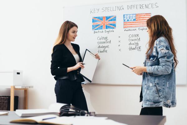 Dodatkowe godziny nauki języka obcego, przedmioty nauczane w języku obcym, zajęcia z native speakerem - to aspekty, które coraz częściej decydują o wyborze szkoły.