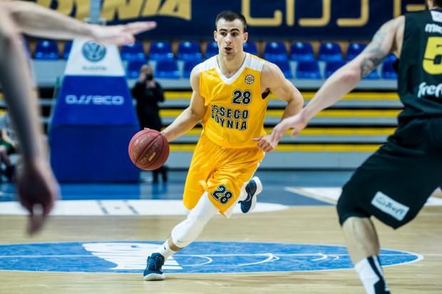 Przemysław Żołnierewicz zaczął koszykarską karierę w gdyńskim klubie. W 2018 roku odszedł jednak do Stali Ostrów Wlkp., skąd wrócił po dwóch latach gry.