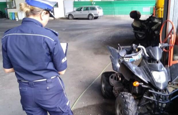 Kierowca quada jechał bez kasku, bo wiózł w nim... piwo.