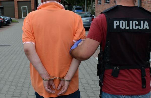Policjanci zatrzymali mężczyznę, teraz grożą mu konsekwencje.