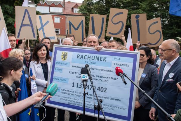 Mieczysław Struk, marszałek woj. pomorskiego, wystawił opiewający na ponad miliard złotych rachunek dla rządu.