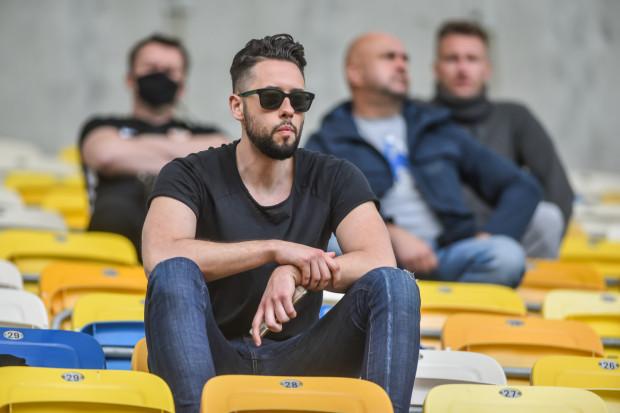 Michał Kołakowski zapowiada intensywne tygodnie w Arce Gdynia oraz nowy początek w działalności klubu po degradacji z ekstraklasy.