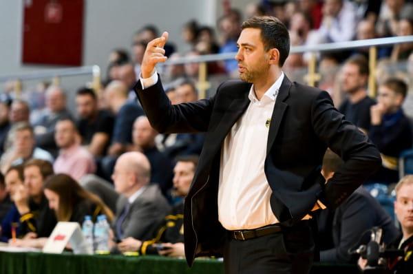 Jeśli powiodą się ostatnie transfery Trefla Sopot, trener Marcin Stefański będzie mógł wystawić piątkę złożoną wyłącznie z polskich seniorów.