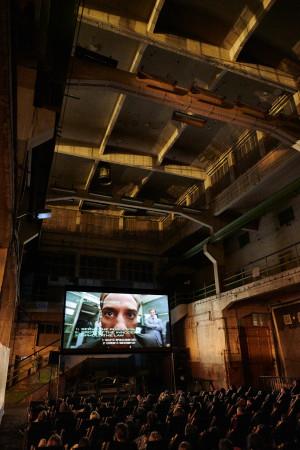 """W ubiegłym roku w hali Plenum widzowie oglądali """"Robocopa"""". W sierpniu postoczniowa przestrzeń zamieni się w egzotyczną dżunglę, a na ekranie zagości """"Predator"""". To tylko jedna z wielu niebanalnych propozycji organizatorów gdańskiego Octopusa."""
