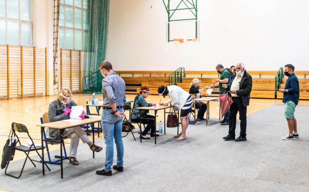 W wielu trójmiejskich komisjach wyborczych przez całą niedzielę ustawiały się kolejki.
