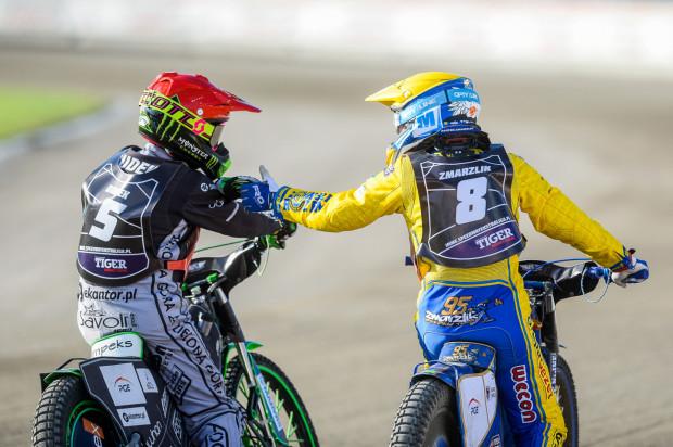 Patryk Dudek (z lewe) i Bartosz Zmarzlik (z prawej) będą największymi gwiazdami poniedziałkowych mistrzostw par w Gdańsku.