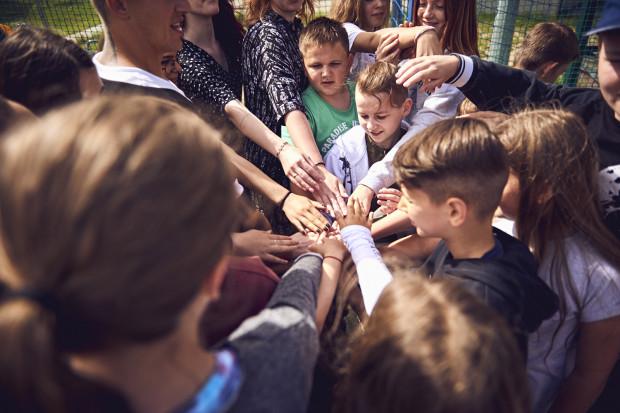 Brave Kids to niezwykły projekt, łączący kultury i tradycje muzyczne, taneczne i teatralne z całego świata.