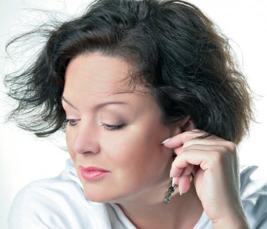 Jedną z gwiazd, które wystąpią na żywo dla publiczności Ladies'Jazz, jest Hanna Banaszak.