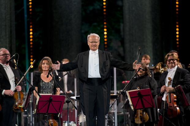 Podczas każdego z trzech festiwalowych koncertów gwiazdom będą akompaniowali gospodarze i organizatorzy 10. NDI Sopot Classic - Polska Filharmonia Kameralna Sopot pod dyr. Wojciecha Rajskiego.