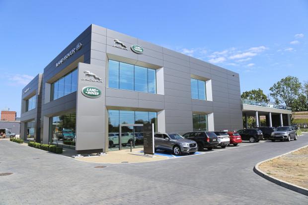 To najnowocześniejszy i największy salon Jaguara i Land Rovera w Polsce.
