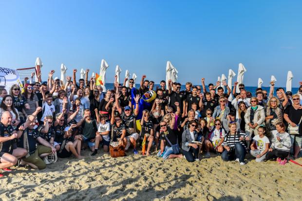 Siatkarze Trefla Gdańsk spotkali się z kibicami na sopockiej plaży. Można było porozmawiać, wziąć autograf, zrobić zdjęcie oraz wystartować w konkursie z nagrodami.