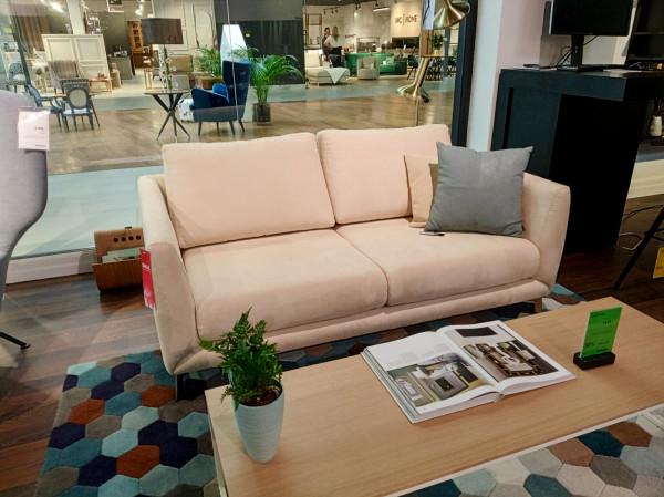 Sofa Fargo - zaoszczędź 50 proc. Cena regularna 7 274 zł,  cena po rabacie 3 637 zł.