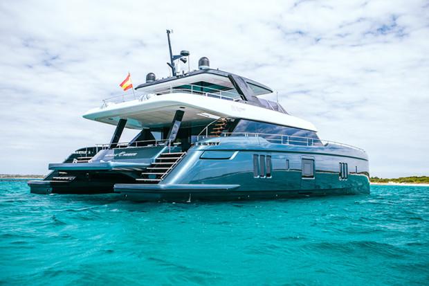 Jednostkę Power Great White, należącą do Rafaela Nadala, można już spotkać na wodach i w marinach.