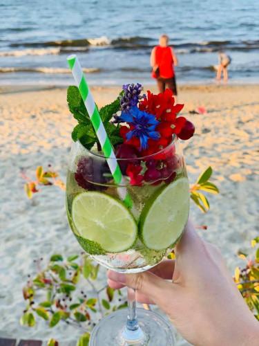 W sopockiej Tropikalnej Wyspie można zjeść i napić się zarówno ciepłego, jak i zimnego napoju.