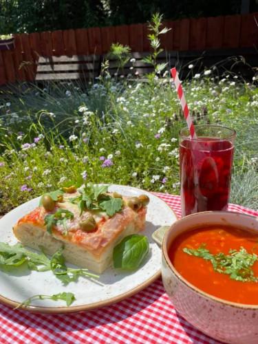 W Suave Bistro zjemy dobrze znane dania z kuchni polskiej i międzynarodowej, ale ze street-foodowym twistem.