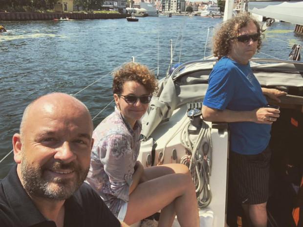 Prezydent Sopotu to miłośnik żeglowania. Ostatnio na swojej łódce, którą ujął w oświadczeniu majątkowym, gościł prezydenta Wrocławia, Jacka Sutryka.