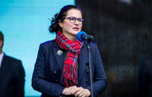 W nowym oświadczeniu majątkowym, podsumowującym ubiegły rok, Dulkiewicz deklaruje, że jej oszczędności w złotówkach zmalały z 77 tys. zł do 57 tys. zł.