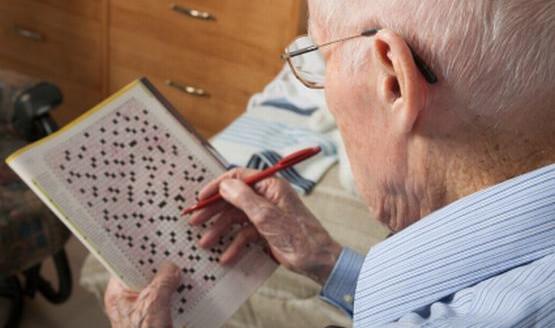 Na Alzheimera mniej narażeni są ludzie aktywni intelektualnie.